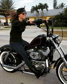 Biker girl on custom Harley Davidson Sportster. Harley Davidson Sportster, Classic Harley Davidson, Bobber Motorcycle, Motorcycle Outfit, Lady Biker, Biker Girl, Chicks On Bikes, Iron 883, Harley Bikes