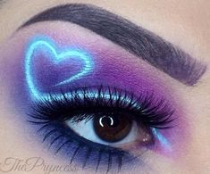 Rave Makeup, Edgy Makeup, Eye Makeup Art, Skin Makeup, Eyeshadow Makeup, Makeup Inspo, Makeup Inspiration, Crazy Eyeshadow, Creative Eye Makeup