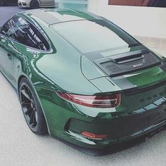 911R That green looks quite good i have to say...