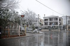 Snowing in Thessaloniki, Panorama