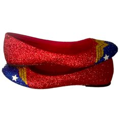 Women's Sparkly Wonder Woman Superhero glitter ballet flats shoes wedding bride gift Sparkly Superhero Ballet … Wonder Woman Shoes, Wonder Woman Party, Wonder Woman Wedding, Vans Old Skool, Womens High Heels, Womens Flats, Wonder Woman Superhero, Hearly Quinn, Shoes 2018