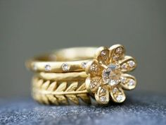 cathy waterman! This is what I would like for a new wedding band/ engagement combo?? My wedding band give me a rash.