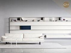 Librero Goldenice, diseño exclusivo de Busnelli. Haz tu cita en Corso Moliere
