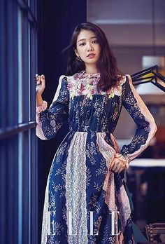 Our lovely lady Park Shin Hye is not only on the cover of Elle Korea for August, she's also on the cover of Elle Hong Kong, check it out! Source | Elle Hong Kong | Naver