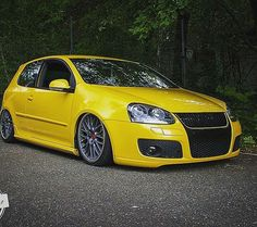 #vw #audi #love #golf #mkv #mk5 #golfspeed #yellowspeed #dreamcar #carporn #carlove #vag #vaglovers #yellow #lamborghini #beauty #beast #bbs #speedline #low #lowered #tuning #volkswagen