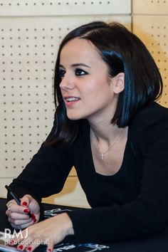 Alizée at FNAC, Paris