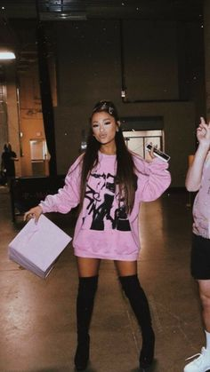 Ariana Grande Hair Style Image style and image hair products Ariana Grande Fotos, Concert Ariana Grande, Ariana Grande Pictures, Ariana Grande Clothes, Ariana Grande Outfits Casual, Ariana Geande, Mode Outfits, Fashion Outfits, Style Fashion