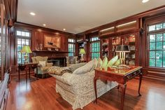 803 Oakwood Road, Mamaroneck, NY - Offered by Connie Stetler - http://www.raveis.com/mls/4435784/803oakwoodroad_mamaroneck_ny