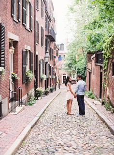 Scenic Boston engagement session: http://www.stylemepretty.com/massachusetts-weddings/boston/2015/12/16/engagement-session-around-bostons-most-scenic-spots/ | Photography: Shadi Boulos - http://shadiboulosphotography.com/