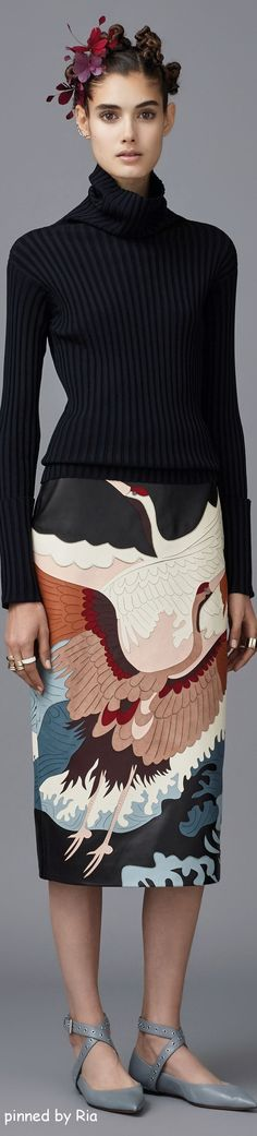 An amazing way to do vintage! FIND OUT MORE AT http://www.thevintagelighthouse.com/ Valentino Pre Fall 2016 l Ria