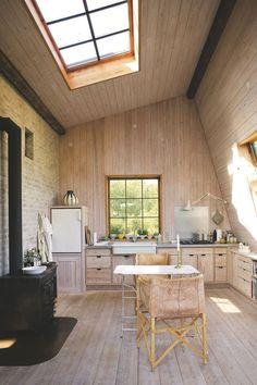 120 Modern Rustic Farmhouse Kitchen Decor Ideas – Home Design Modern Farmhouse Kitchens, Farmhouse Kitchen Decor, Rustic Farmhouse, Kitchen Ideas, Wooden Kitchen, Small Cabin Kitchens, Farmhouse Style, Plywood Kitchen, Barn Kitchen