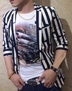 Stylish Black White Short Sleeve Lines Blazer Blazers For Men Casual, Casual Suit, Blazer With Jeans, Blazer Suit, Shirt Style, White Shorts, Short Sleeves, Menswear, Men Shirt