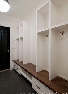 Laundry Mud Room Design, Pictures, Remodel, Decor and Ideas - page 19
