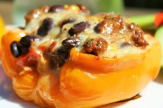 Recettes santé | Nutrisimple | Poivrons farcis, façon chili Nutrition, C'est Bon, Chili, Food Inspiration, Mashed Potatoes, Macaroni And Cheese, French Toast, Eggs, Stuffed Peppers