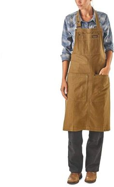 The Patagonia All Seasons Hemp Canvas Apron is a sturdy, all-purpose work and shop apron made from our durable and breathable All Seasons Hemp Canvas.
