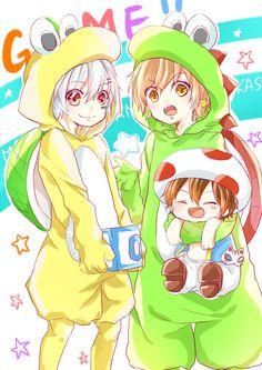 Amatsuki, Mafumafu, and Itou Kashitarou cosplaying as Mario characters