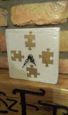 "Concrete clock ""Puzzle"""