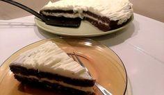 Бърз какаов сладкиш с лек крем - Рецепта. Как да приготвим Бърз какаов сладкиш с лек крем. Кликни тук, за да видиш пълната рецепта.