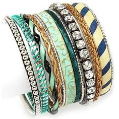 Blue accented bangles.....love this set, very attractive on the wrist