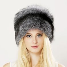 6e28a4a23a0 2017 Winter Unisex Genuine Fox Fur Hat Real Raccoon Fur Bomber Hat With  Nature Leather Crown Thick Warm Fur Cap Russian fur hat-in Bomber Hats from  Women s ...