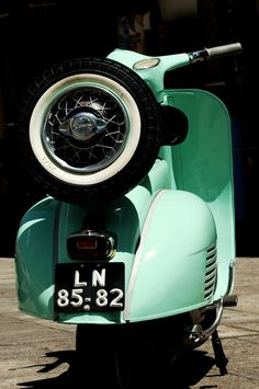 "The Vespa is a line of scooters patented on April 1946 by the company Piaggio Co, S. The name Vespa, which means ""wasp"" in Italian, was chosen by Enrico Piaggio. Moto Vespa, Scooters Vespa, Moto Scooter, Piaggio Vespa, Lambretta Scooter, Lml Star, Vespa Vintage, Classic Vespa, Italian Scooter"