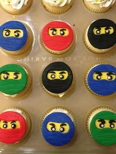 Ninjago Cupcakes Ninjago cupcakes! Ninjago Party, Lego Birthday Party, Boy Birthday Parties, Birthday Cupcakes, Ninja Lego Cake, Fondant, Karate, Twins, Birthdays