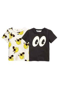 LOVE THESE!! 2-pack T-shirts