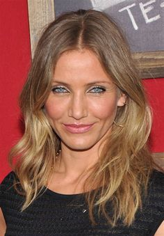 Cameron diaz' subtle blonde ombre really compliments her skin tones Blond Ombre, Ombre Hair Color, New Hair Colors, Hair Colour, Short Ombre, Medium Length Blonde, Medium Hair Styles, Long Hair Styles, Hair Medium