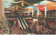 Christmas inside the Haymarket Centre, Leicester - Leicester England, Types Of Curtains, Shopping Center, Back In The Day, Great Britain, Old Houses, Old Photos, Vintage Shops, 1970s