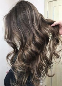 Golden Sun-kissed Balayage Hairstyles Trends 2018
