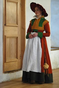 16th c. german dress, 1530's German style dress. The reconstruction is based on a wall painting from Turku Castle, Finland.  Neulansilmä -- The Eye of the Needle