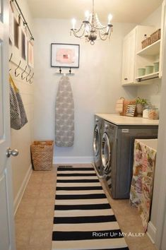 Best 20 Laundry Room Makeovers - Organization and Home Decor Laundry room organization Laundry room decor Small laundry room ideas Farmhouse laundry room Laundry room shelves Laundry closet Kitchen Short People Freezer Shiplap Laundry Room Organization, Laundry Room Design, Organization Ideas, Storage Ideas, Laundry Storage, Ironing Board Storage, Hang Ironing Board, Garage Storage, Laundry Room Makeovers