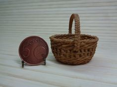 Dollhouse Miniature wicker backet1:12 for dollhouse, Miniature wicker, Miniature backet