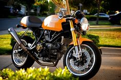 Perfection! Speedy Chung's Ducati Sport 1000.