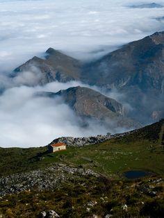 Ermitas y Monte Monsacro, municipio de Morcín (Asturias-España) // Chapels and Monte Monsacro, municipality of Morcín (Asturias-Spain)