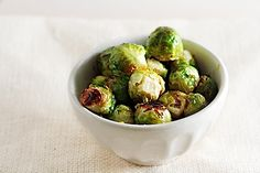 maple roasted brussel sprouts Potato Vegetable, Vegetable Dishes, Vegetable Recipes, Vegetarian Recipes, Vegetarian Thanksgiving, Sprout Recipes, Avocado Chicken Salad, Healthy Eating, Brussels Sprouts