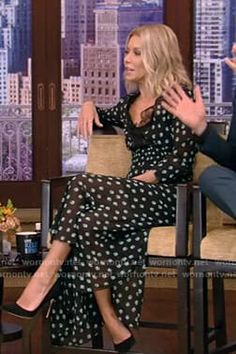Kelly's black printed lace trimmed midi dress on Live with Kelly and Ryan Ryan Kelly, Kelly Ripa, Latest Outfits, Bardot, Black Print, Style Ideas, Lace Trim, Empire, Lisa