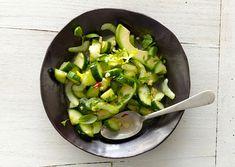 Gurken-Avocado Salat (evtl. auch mit Selleriestange)