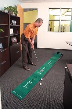 Return Putting Mat Golf Aid Training Practice Green Pro Ball Indoor Home Office Artificial Putting Green, Indoor Putting Green, Indoor Golf Simulator, Green Pro, Trains For Sale, Golf Training Aids, Golf Simulators, Golf Channel, Golf Putting