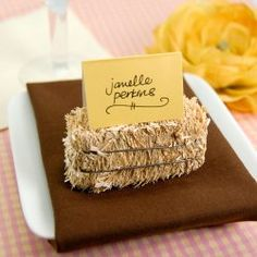 Mini Hay Bale Place Card Holder perfect for a western wedding - - Gabriela Fall Wedding, Our Wedding, Dream Wedding, Wedding Table, Rustic Place Cards, Hay Bale Wedding, Wedding Favors, Wedding Decorations, Table Decorations