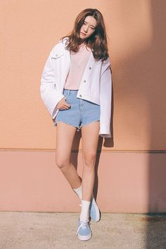 [STYLENANDA] DIPPED CUTOFF HEM SHORTS