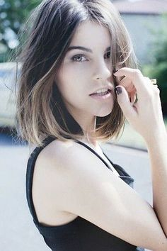 Blunt lob (long bob) with centre part /via
