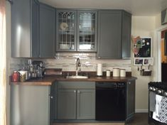 Cambria Whitney Counters Kraftmaid Pebble Grey Cabinet Stainless Gl Backsplash