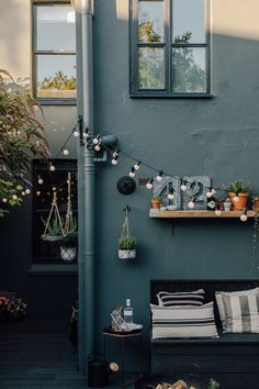 Farrow & Ball Down Pipe Walls - Reclaimed Garden Shelf With Zinc Letters, Planter And Hanging Baskets Small Courtyard Gardens, Small Courtyards, Small Gardens, Outdoor Gardens, Back Garden Design, Backyard Garden Design, Balcony Garden, Outside Living, Outdoor Living