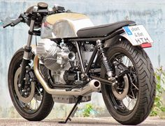 RocketGarage Cafe Racer: Short & Flat