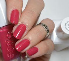 essie gel couture Sit Me in the Front Row