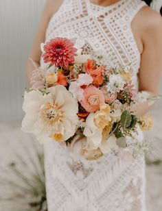 Wedding Bouquets ombre poppy dahlia ranunculus sunset orange pink bouquet - Be still our bohemian hearts—today's Coachella-inspired festival wedding is brimming with ombré details and tons of eye-catching accents! Wedding Flower Guide, Summer Wedding Bouquets, Floral Wedding, Wedding Colors, Wedding Ideas, Bridal Bouquets, Purple Wedding, Poppy Bouquet, Pink Bouquet