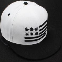 7063024d84a Encontrar Más Gorras de béisbol Información acerca de 2015 nueva raya blanco    negro moda snapback