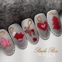 What Christmas manicure to choose for a festive mood - My Nails Nail Art Noel, Xmas Nail Art, Christmas Nail Art Designs, Xmas Nails, New Year's Nails, Winter Nail Designs, Winter Nail Art, Holiday Nails, Winter Nails