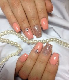 Glitter nails, Nails in pastel tones, Nails with rhinestones, Nails with sparkles, Pastel nails, Peach nails